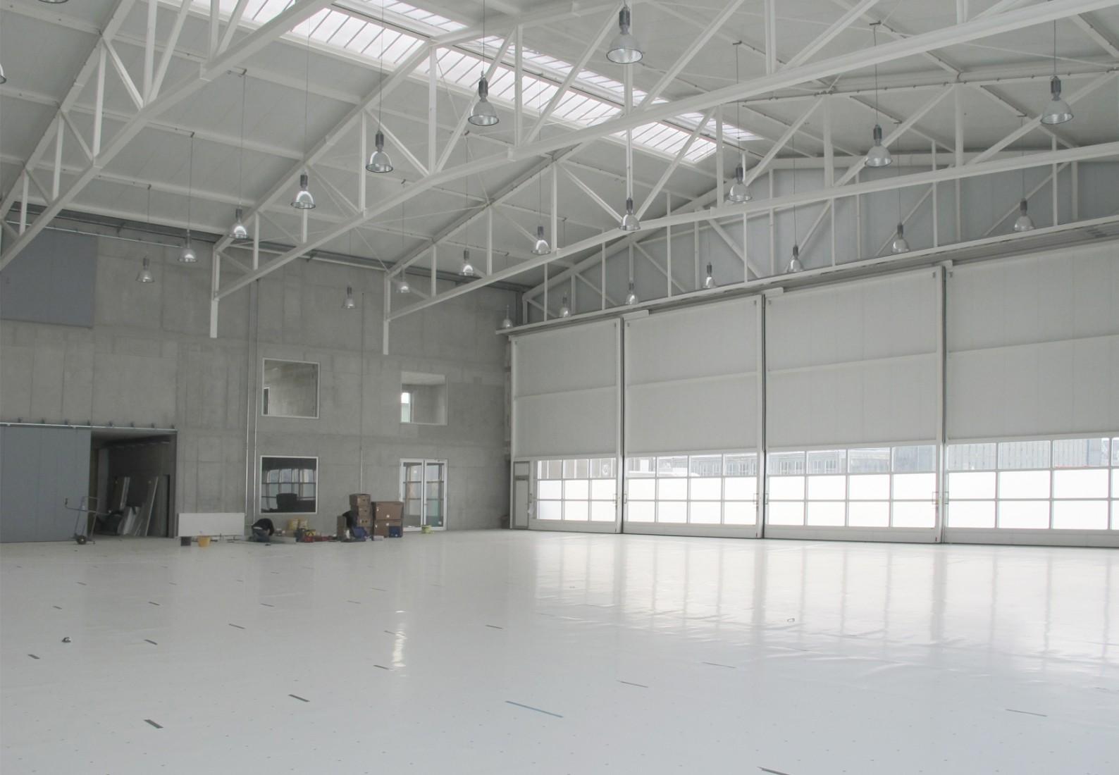 Aircraft hangar bremgarten bhsf architekten for Architecture hangar